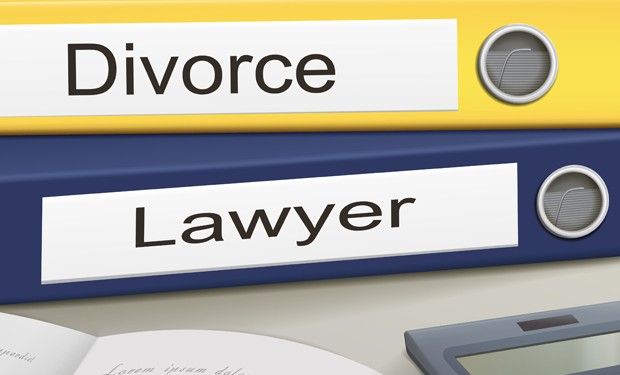 meeting-with-divorce-lawyers